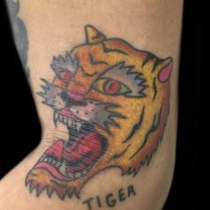 虎 トラディショナル タトゥー
