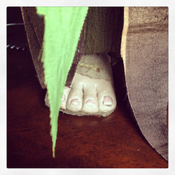 Instagram - To find out who this foot belongs to..