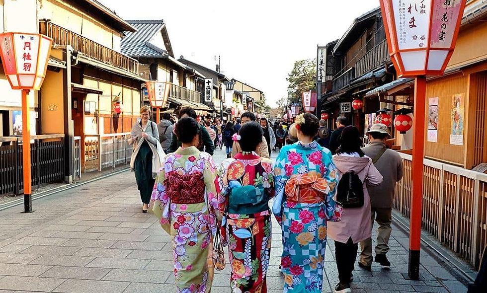 Япония в цвету сакуры