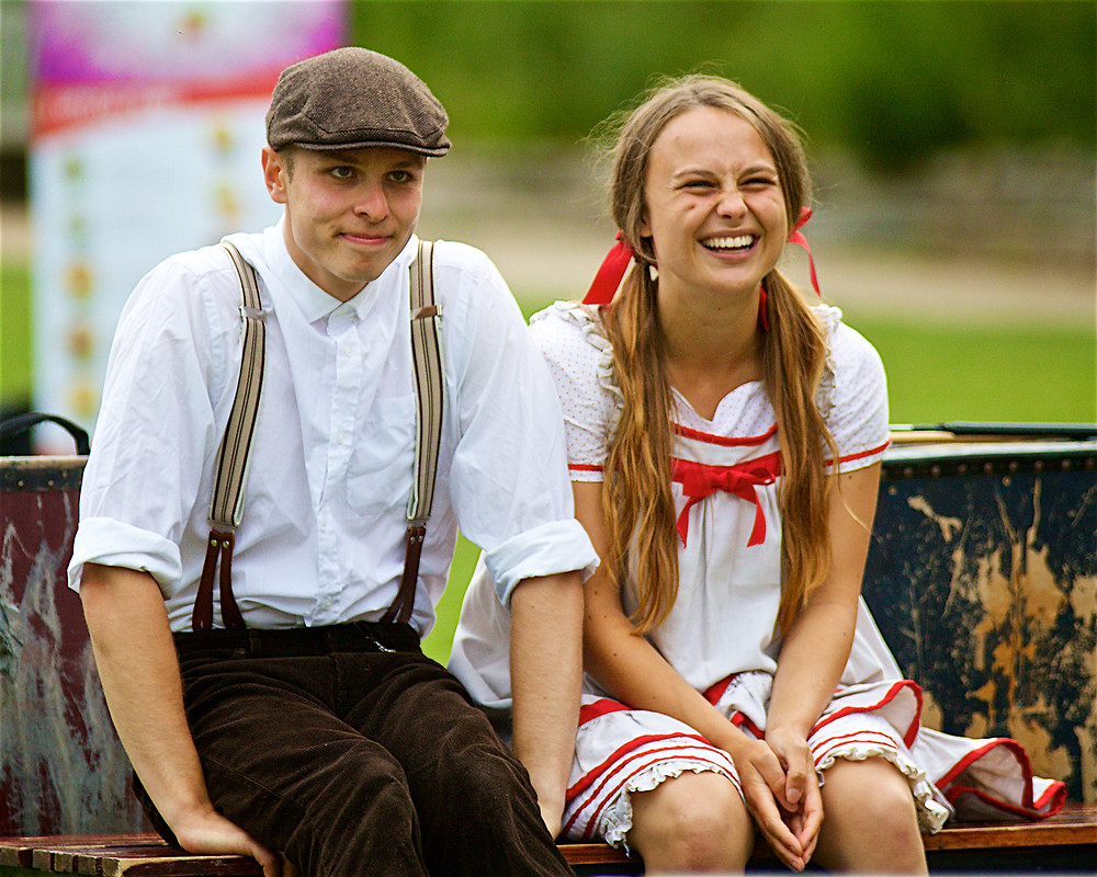 George Naylor and Faye Lorde in Heartbreak Productions' The Railway Children, Jephson Gardens, Leamington Spa