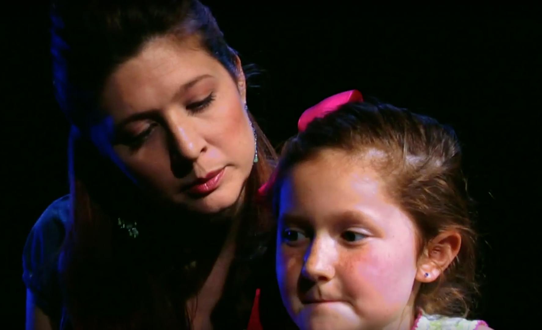 Rachel McKinney & Emma Kenney in Lyre Liar