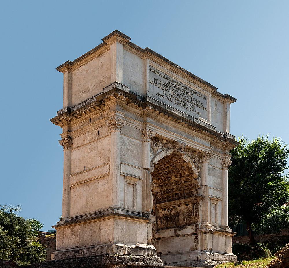 Arco de Tito, localizado no Fórum Romano, que celebra a vitória do imperador Tito Flávio sobre a cidade de Jerusalém no ano 70 d.C., quando o Templo foi completamente destruído, conforme havia sido predito por Jesus (Marcos 13.1-2).