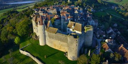 chateau-chateauneuf-en-auxois-pns-isabel