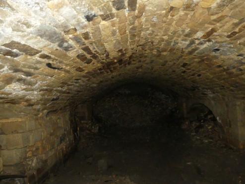 caves2jn.JPG