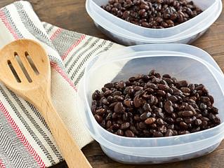 "If It's Beans, Then It's Beans: D[umb]mes[s]tic ""Bliss"" in the Modern, Urban Home"
