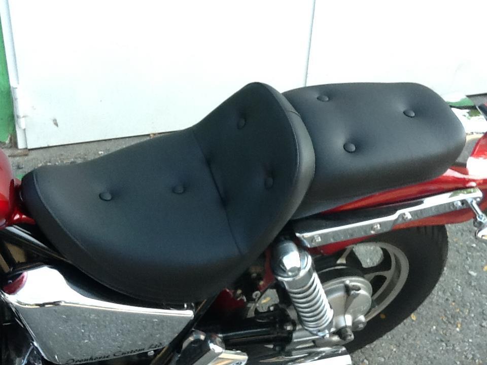 Motorradsitz_Bezug_schwarzes_Leder