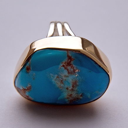 Gold and turquoise ladies' ring