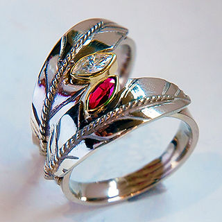 Flight of giniw red ruby wedding rings w