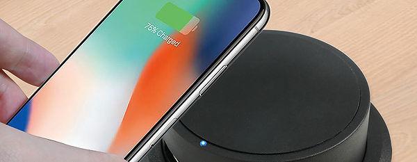 QI-02M charge phone.jpg