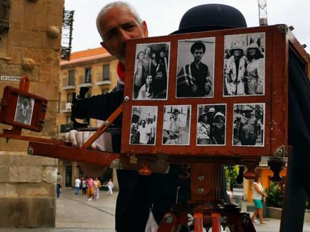 """El fotógrafo minutero', fotografía de época en """"El CAPRICHO"""""""