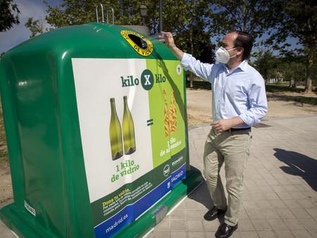 El Ayuntamiento de Madrid pone en marcha la iniciativa '1 kilo de vidrio x 1 kilo de alimentos'