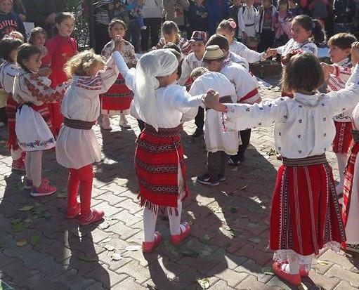 Datini din străbuni, Școala Gimnazială Brastavățu, Olt