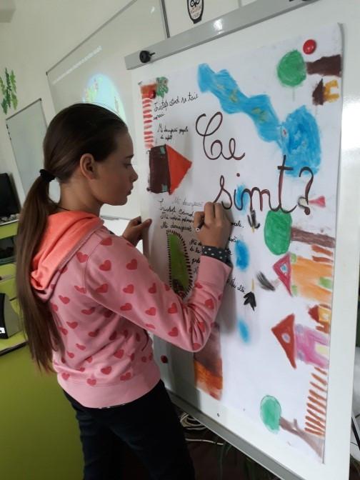 Picturi Murale în Laboratorul de Științe!    Școala Gimnazială Palanca, Com. Palanca, Bacău