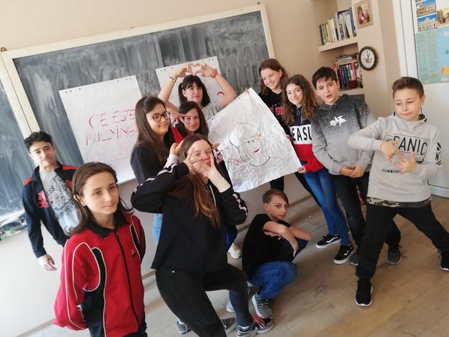 """Poți fi erou! – Să oprim bullyingul și cyberbullyingul în școala ta! Colegiul Național """"Traian Lales"""