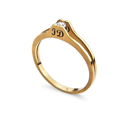 Identity Ring in Gold with brilliant