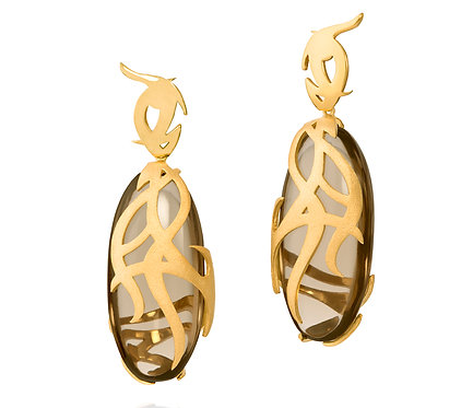 Kayan Earring in Gold with two pairs of gems