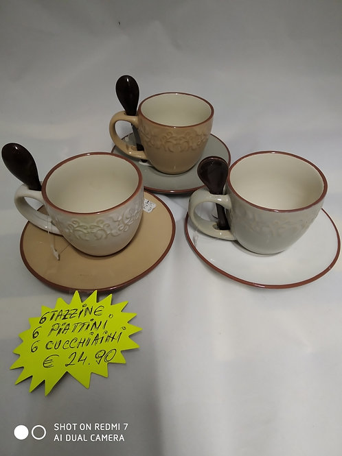 Servizio tazzine da caffe' con cucchiaino e piattino