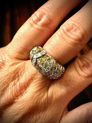 Anello di gioielleria con diamanti