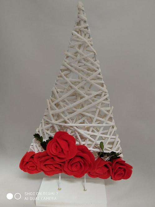 albero in vimini con rose in panno