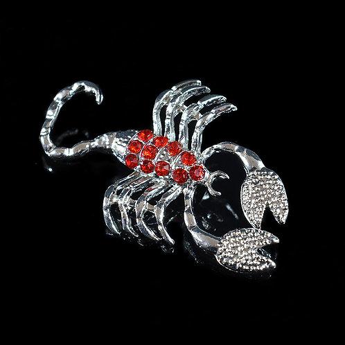 """Брошь """"Скорпион"""" 35*53мм с цирконами, цв.красный, серебристый"""