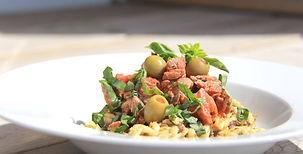 Sauté_de_veau_aux_tomates_et_olives.jpg
