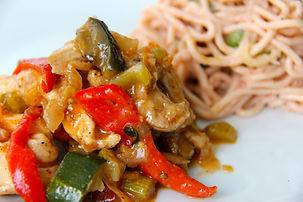 Sauté_de_poulet_asiatique,_pâte_au_curry