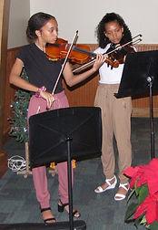 Elizabeth and Sophia Turnbough violinist