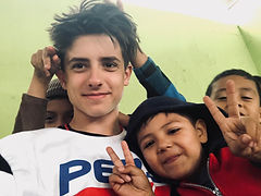 Andy Czosek with Guatemalan kids 2019.jp