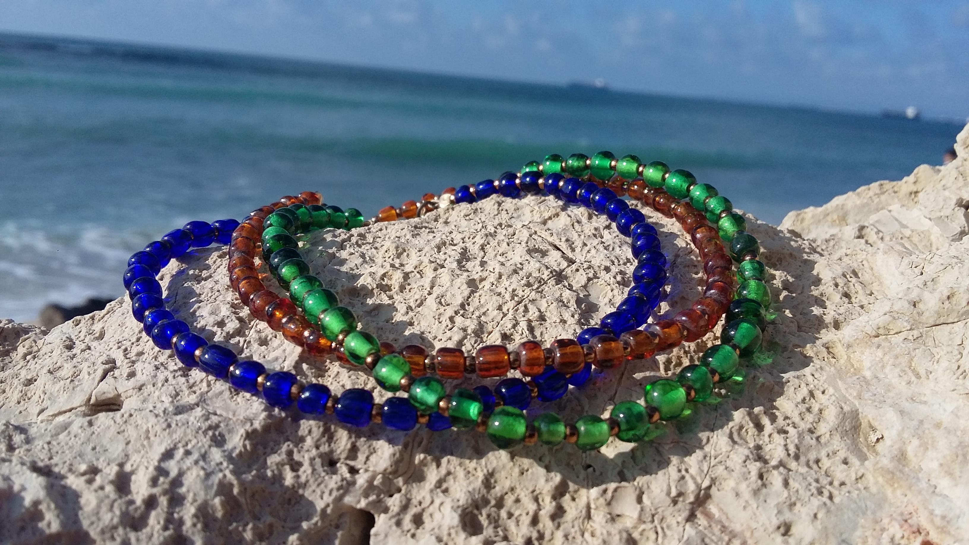 colorful leg bracelat