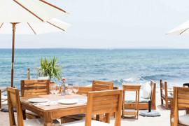 La-Escollera-Restaurant-beach-view-WEB.j