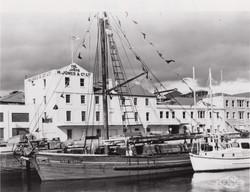 Old Ships Company-606