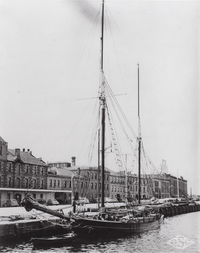Old Ships Company-607