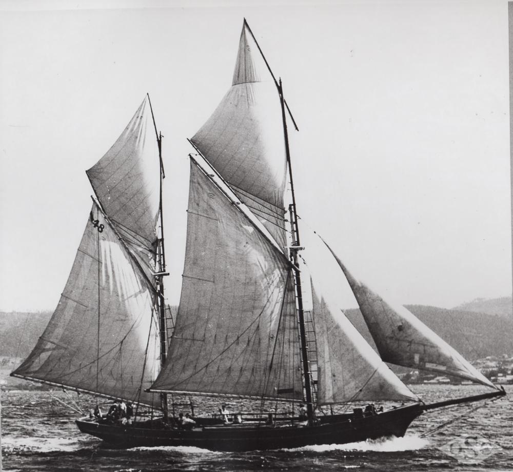 Old Ships Company-599