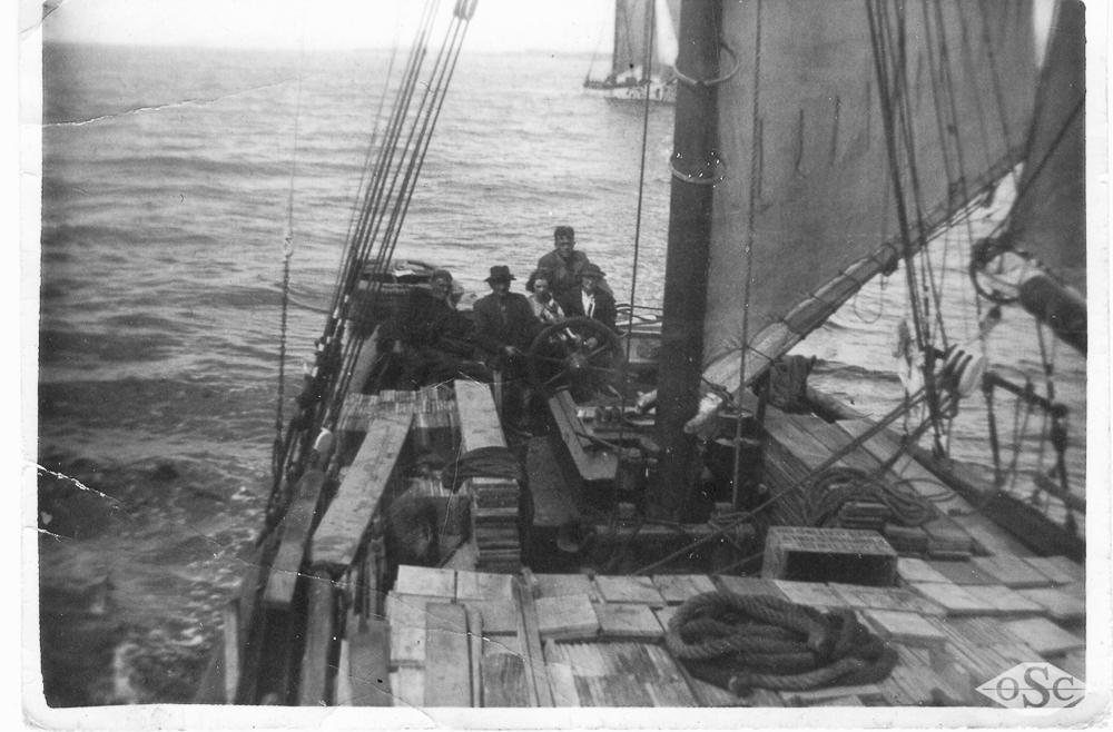 Old Ships Company-617