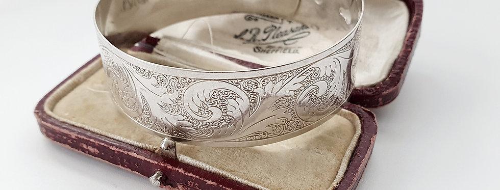 Vintage Sterling Silver Belt Buckle Clasp Bangle with Leaf Design.