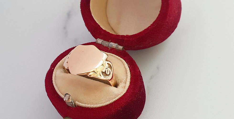 Antique 9ct Rose Gold Shield Signet Ring.