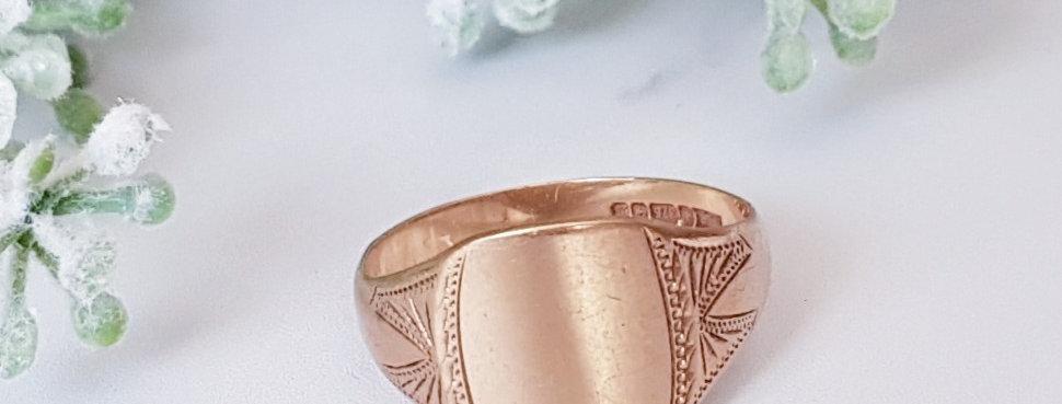 Vintage 9ct Gold Signet Ring with Shoulder Detail