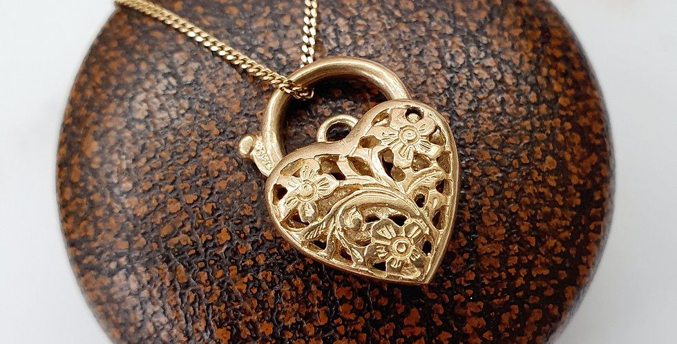 Vintage 9ct Gold Filigree Heart Lock Pendant with Floral Pattern