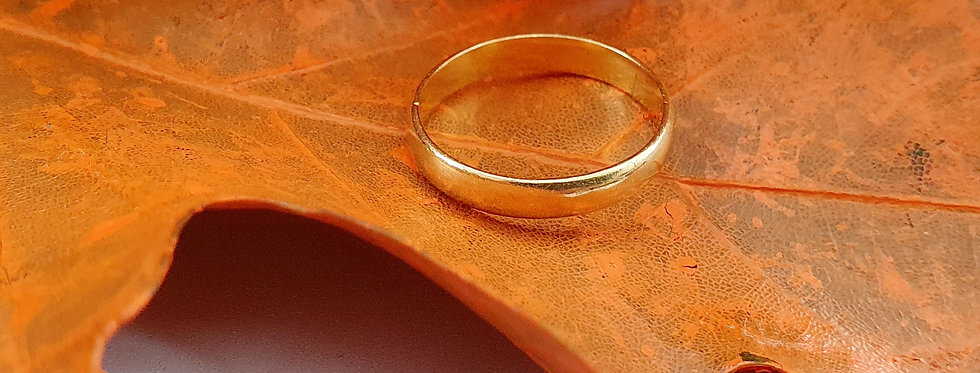 Antique 22ct Gold 2.5mm D Shape Band Ring.