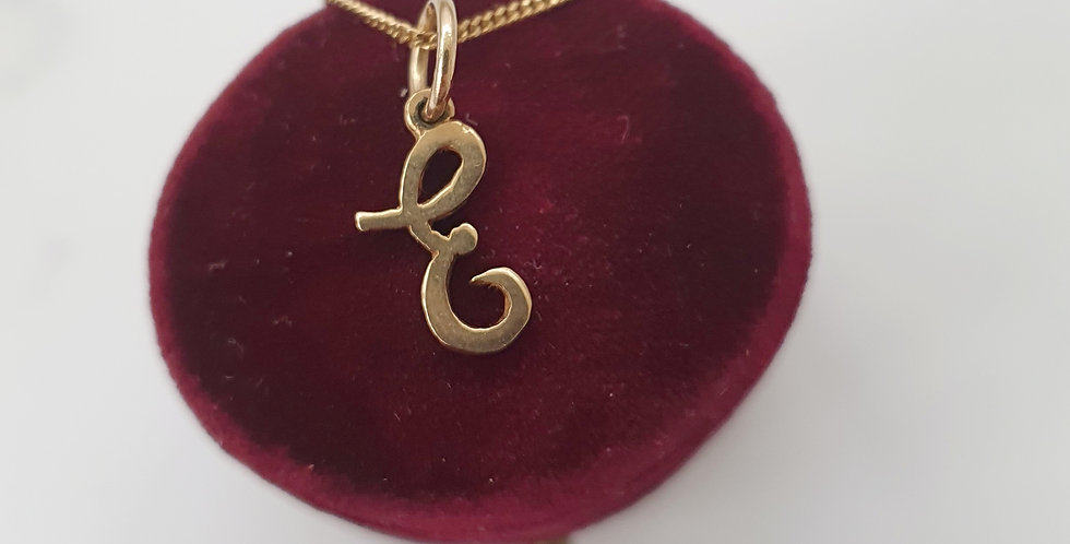 Vintage 9ct Gold E initial Pendant / Charm.