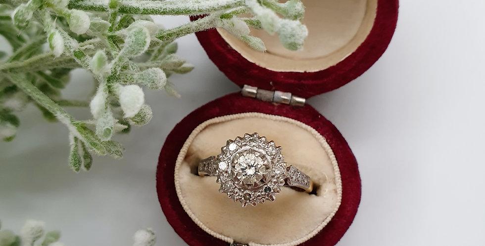 Vintage 18ct Gold, Platinum & Diamond Solitaire Cluster Ring