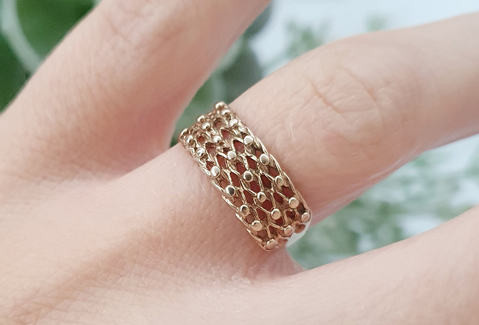 Vintage 9ct Gold Keeper Ring