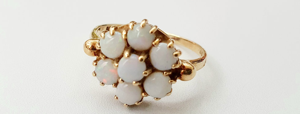 Vintage 9ct Gold & Opal Flower Cabochon Ring.
