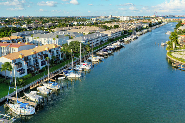 557 Pinellas Bayway South Apartment 302-