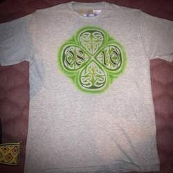 Airbrush auf T-Shirt_Gedenkdatum mit Celtic Design._#DieAirbrusherei_Airbrush Bob Co