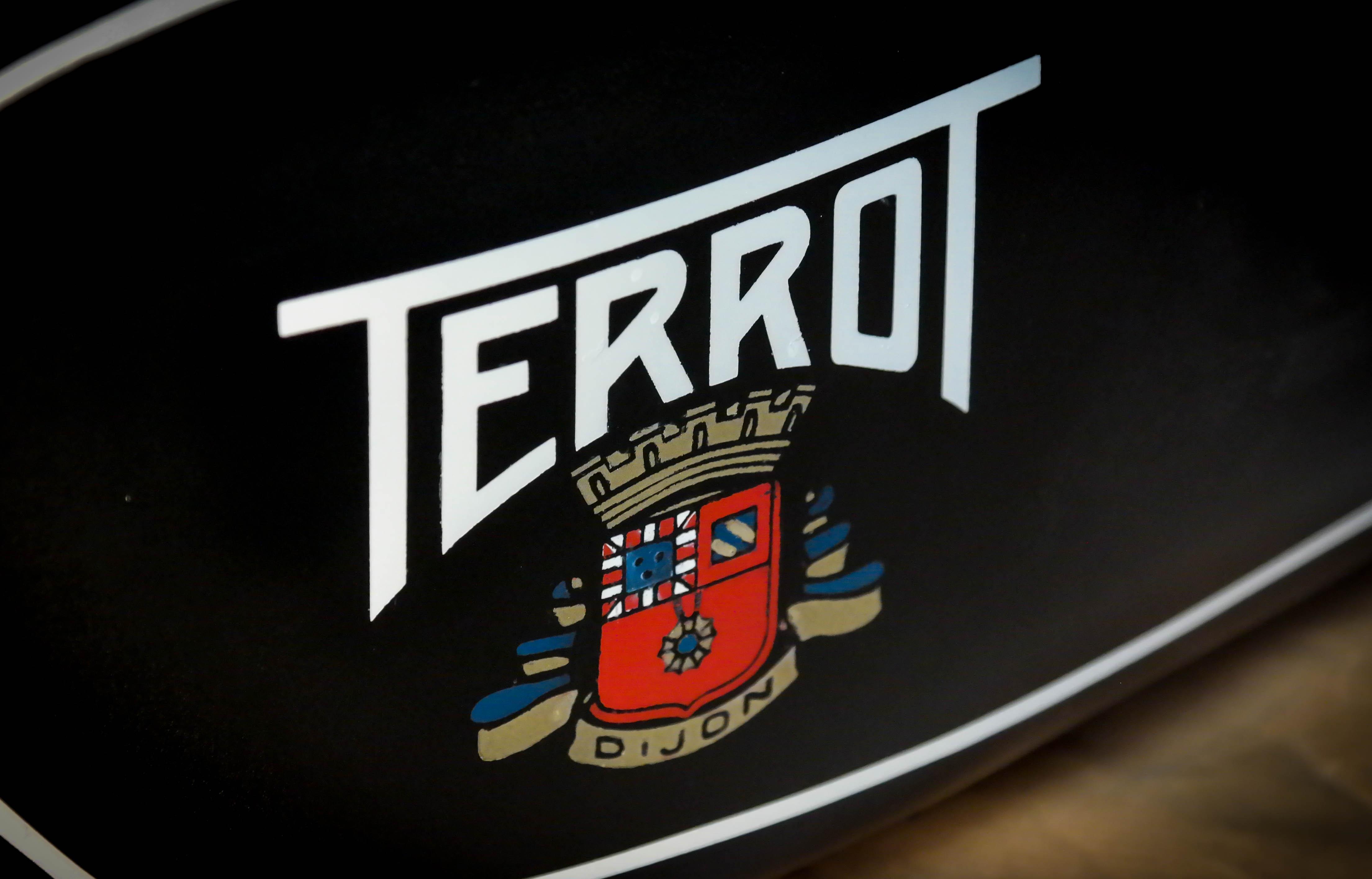 TERROT Emblem auf Motorradtank