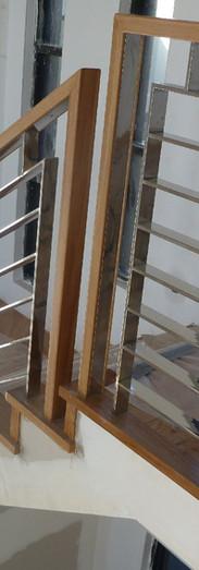 Amazing-Stainless-Steel-Stair-Railing.jp