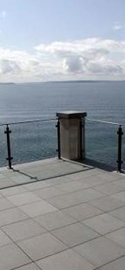 541x354xglass-deck-railings-5.jpg.pagesp