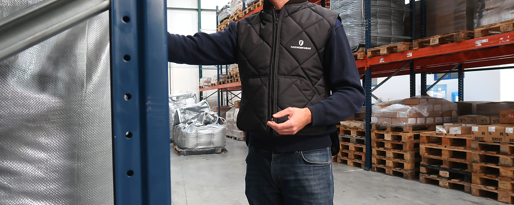 Trabajador con chaleco para almacén de control de ropa fría Ticeworkwear