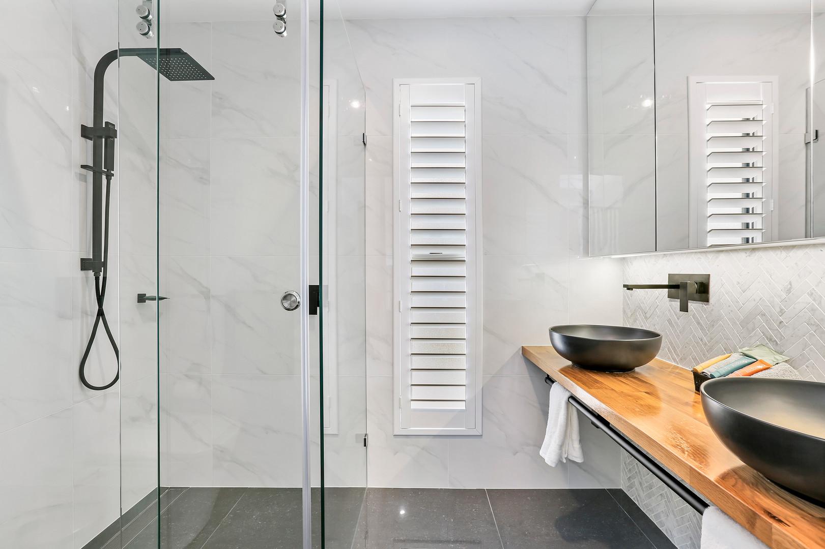 Bathroom Little Lake Apartment A